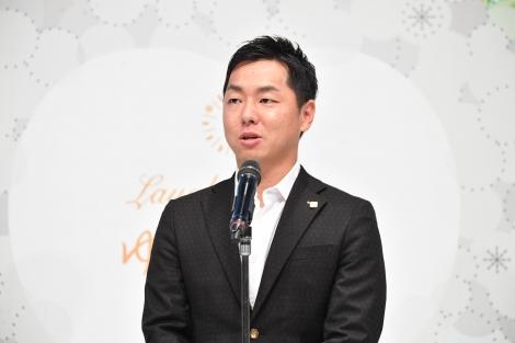 『石屋製菓×吉本興業 新プロジェクト 記者発表』に出席した石水創
