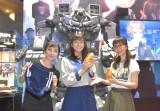 『東京ゲームショウ2019』SEGAブース『十三機兵防衛圏』のスペシャルステージに登場した(左から)松澤千晶、貴島明日香、磯村知美 (C)ORICON NewS inc.