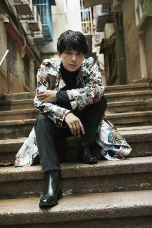 『SPUR』11月号に登場する吉沢亮(C)SPUR11月号/集英社 撮影/矢吹健巳〈W〉