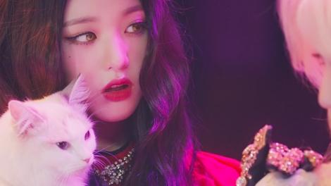 チャン・ウォニョン=IZ*ONE日本3rdシングル「Vampire」MVより
