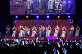 『KOYABU SONIC 2019』2日目ステージに登場した日向坂46