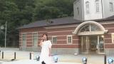 9月12日放送、総合テレビ『明日へ つなげよう』(5分番組)島越駅前で「潮騒のメモリー」を歌う薬師丸ひろ子(C)NHK