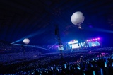 「青空が違う」では気球に乗ってスタンドのファンサービス=欅坂46『夏の全国アリーナツアー2019 追加公演 in 東京ドーム』より Photo by 上山陽介