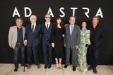 映画『アド・アストラ』(公開中)ロサンゼルスで行われたUSプレミアにはキャスト・スタッフが勢ぞろい(左から)ドナルド・サザーランド、ジェームズ・グレイ監督、リヴ・タイラー、トミー・リー・ジョーンズ、ルース・ネッガ、ブラッド・ピット