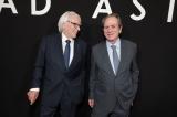映画『アド・アストラ』(公開中)(左から)ドナルド・サザーランド、トミー・リー・ジョーンズ