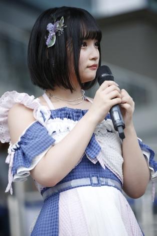 """AKB48新センター矢作萌夏「みんなを""""すち""""にさせられるように頑張ります」(C)AKS"""