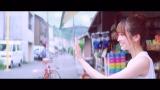 佐々木久美=日向坂46のユニット・りまちゃんちっく新曲「ママのドレス」MVより