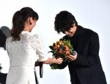 映画『アイネクライネナハトムジーク』の大ヒット御礼舞台あいさつに参加した(左から)多部未華子、三浦春馬 (C)ORICON NewS inc.