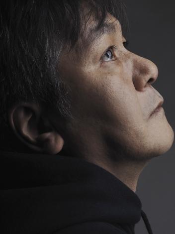 『天皇陛下御即位をお祝いする国民祭典』に出演する岡田惠和/提供 U.F.O.カンパニー