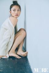 『MORE』11月号で表紙を飾る川口春奈(C)MORE2019年11月号増刊/集英社 撮影/三瓶康友
