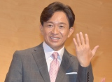 """指輪購入前のため""""エア指輪""""ポーズのTOKIO・城島茂(C)ORICON NewS inc."""