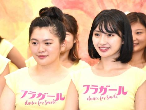 舞台『フラガール -dance for smile-』の取材会に出席した(左から)富田望生、井上小百合 (C)ORICON NewS inc.