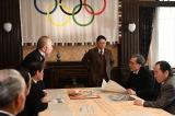 大河ドラマ『いだてん〜東京オリムピック噺(ばなし)〜』第37回(9月29日放送)1940年の東京オリンピックについて、意見が分かれる組織委員会の面々 (C)NHK