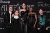 ディズニー映画『マレフィセント2』(10月18日公開)のワールドプレミアにアンジェリーナ・ジョリーの子どもたちが来場。左から2人目のヴィヴィアンは前作でオーロラの幼少期を演じた(C)201 9 Disney Enterprises, Inc. All Rights Reserved.
