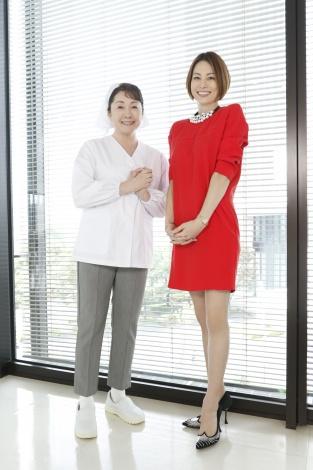 『ドクターX〜外科医・大門未知子〜』(10月17日スタート)第1話のメインゲストは松坂慶子(左)。主演の米倉涼子とは初共演(C)テレビ朝日