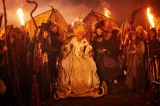 """年に一度の魔女のお祭り「ワルプルギスの夜」に集まった恐ろしい""""大きい魔女""""たち"""