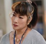死産課の職員・シン宮役で余貴美子が出演(C)「死役所」製作委員会