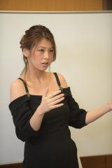 ミスマガジンの公式YouTubeチャンネル「ミスマガTV」に出演したレジェンド・小阪有花