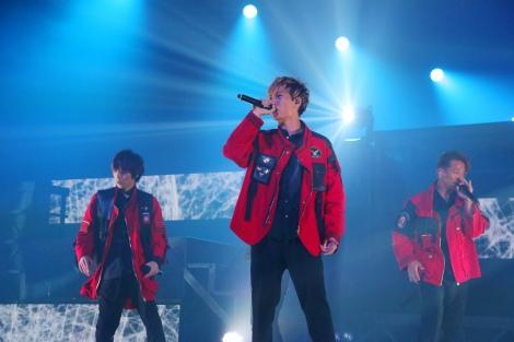 """全国ツアー『w-inds. LIVE TOUR 2019""""Future/Past""""』を完走したw-inds."""