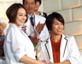 『ドクターX〜外科医・大門未知子〜』の制作発表会に出席した(左から)米倉涼子、松本薫 (C)ORICON NewS inc.