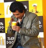 コーヒーに感謝の気持ちを伝える藤岡弘、=日本マクドナルドの『新プレミアムローストコーヒー リニューアル発表会』 (C)ORICON NewS inc.