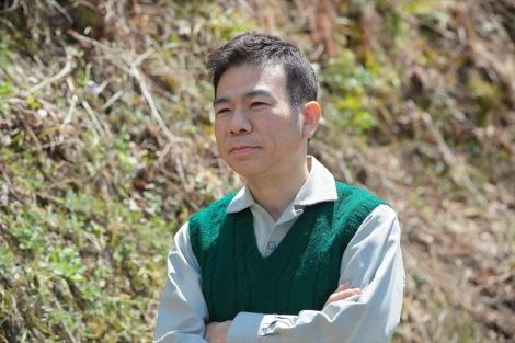 連続テレビ小説『スカーレット』ヒロイン・喜美子の川原家を支える隣人・大野忠信役のマギー(C)NHK