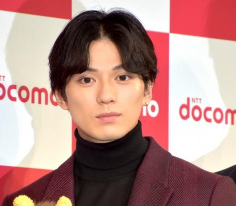 NTTドコモ『2019-2020冬春 新サービス・新商品発表会』に出席した新田真剣佑 (C)ORICON NewS inc.