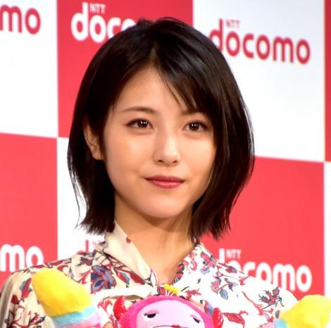 NTTドコモ『2019-2020冬春 新サービス・新商品発表会』に出席した浜辺美波 (C)ORICON NewS inc.