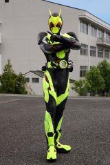 令和1作目のライダー『仮面ライダーゼロワン』は、黒と黄色のボディがカッコいい! (C)2019 石森プロ・テレビ朝日・ADK EM・東映
