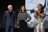 (左から)アンソニー・ダニエルズ、ケリー・ラッセル、ナオミ・アッキー(C)2019 Getty Images