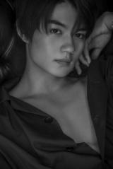 佐野勇斗Ver.=『M!LK ファッション BOOK(仮)』Loppi・HMV 限定版ソロカバー