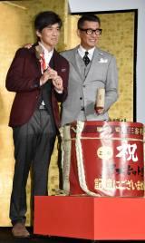 映画『記憶にございません!』の超大ヒット御礼舞台あいさつに登壇した(左から)佐藤浩市、中井貴一 (C)ORICON NewS inc.