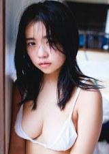 セカンド写真集『吐息』 (C)集英社/週間プレイボーイ/撮影・桑島智輝