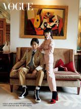 ファッション誌『VOGUE JAPAN』12月号に登場した松田翔太&秋元梢夫妻  Photo:Juergen Teller (C) 2019 Conde Nast Japan. All rights reserved.