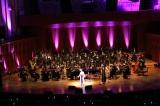 フルオーケストラを従えて熱唱する悠木碧
