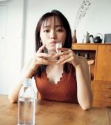 『FLASH』10月21日発売号の表紙を飾った今泉佑唯(C)光文社/週刊FLASH 写真◎桑島智輝