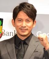 ザキヤマをいじった岡田准一 (C)ORICON NewS inc.