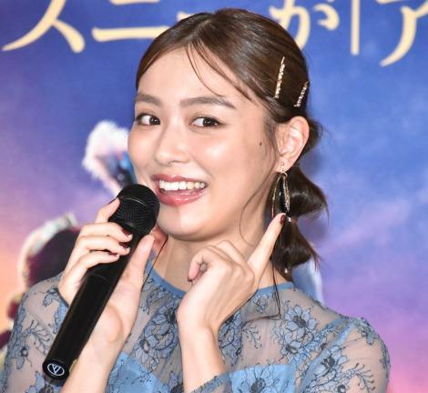 ジャスミン風のアクセサリーを身に着けた内田理央=『アラジン』MovieNEX発売記念パーティー