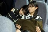 『smart』12月号に登場した乃木坂46・遠藤さくら(右)、筒井あやめ(撮影/HIROKAZU)