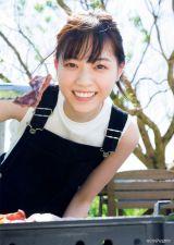 『週刊ヤングマガジン』第48号の表紙を飾った西野七瀬(C)Takeo Dec. /ヤングマガジン