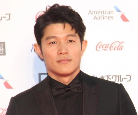 『第32回東京国際映画祭』レッドカーペットに登場した鈴木亮平 (C)ORICON NewS inc.