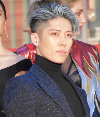 『第32回東京国際映画祭』レッドカーペットに登場したMIYAVI (C)ORICON NewS inc.
