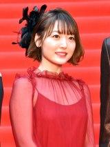 『第32回東京国際映画祭』のレッドカーペットに登場した花澤香菜 (C)ORICON NewS inc.