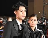 映画『カツベン!』の完成披露レッドカーペットイベントに登壇した(左から)成田凌、黒島結菜 (C)ORICON NewS inc.