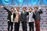 会見に出席した嵐(左から)二宮和也、相葉雅紀、松本潤、大野智、櫻井翔 (C)ORICON NewS inc.