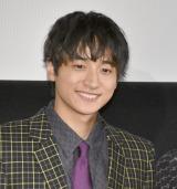 """映画『""""隠れビッチ""""やってました。』の舞台あいさつに出席した小関裕太 (C)ORICON NewS inc."""