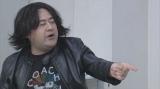 11月4日放送、総合テレビ『コントの日』「三重野P」小手伸也(C)NHK