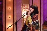 24日放送『The Covers』で井上陽水名曲「カナリア」をカバーする池田エライザ(C)NHK