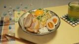 爆盛り汁なしラーメン=料理研究家・リュウジによるインスタントラーメン「サッポロ一番」のアレンジレシピ、『お願いランキング』で11月11日放送(C)テレビ朝日