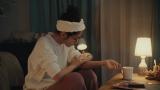 花王「キュレル」肌からのメッセージ動画広告に出演する鈴木愛理